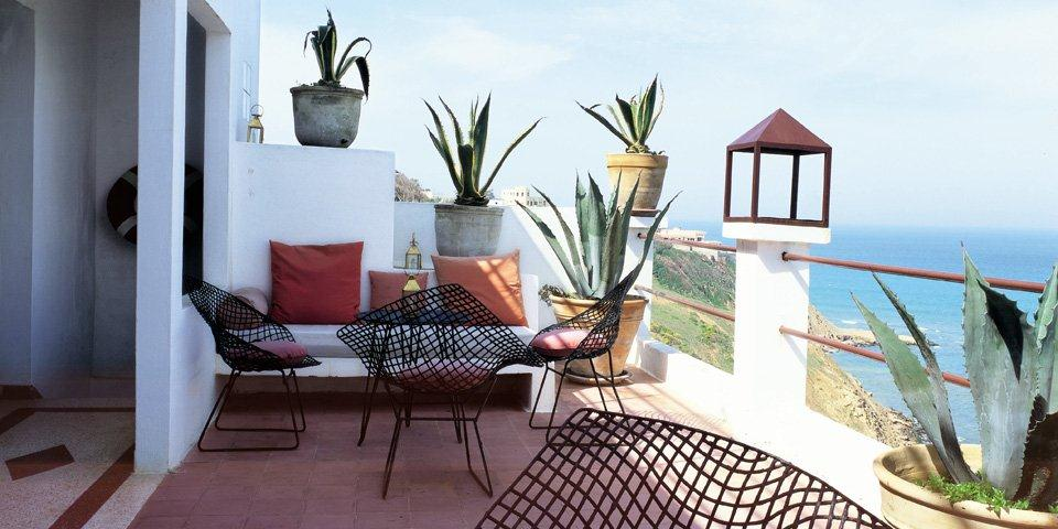 Booktopia taschen living in morocco 25 by angelica - Jardin marocain terrasse ...